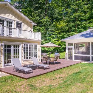 Idee per una terrazza tradizionale di medie dimensioni e dietro casa con nessuna copertura