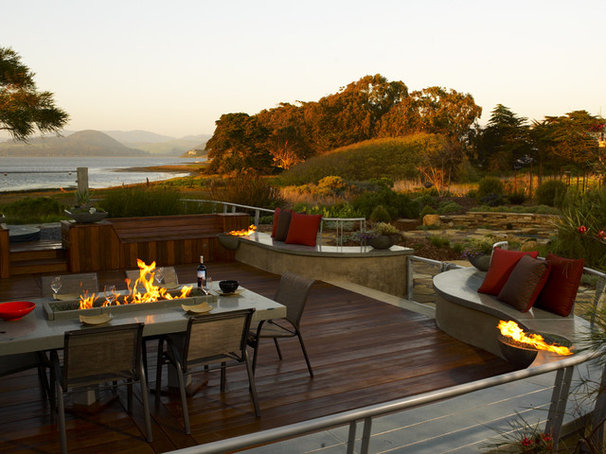 Beach Style Deck by Jeffrey Gordon Smith Landscape Architecture