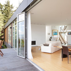 Contemporary Deck by Prentiss Architects