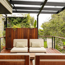 Contemporary Deck by Sawhorse Design & Build