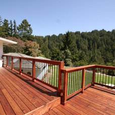 Traditional Deck by Seacliff Construction & Design