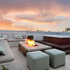 modern patio by Patterson Custom Homes