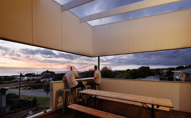 Contemporary Deck by DAVID BARR ARCHITECTS