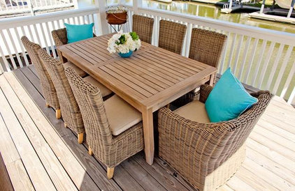 Beach Style Deck by Munger Interiors