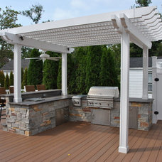 Traditional Deck by CST Design Group LLC