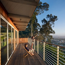 Modern Deck by yamamar design