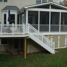 Contemporary Deck by Design Builders, Inc.