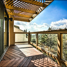 Transitional Deck by SOD BUILDERS, INC.