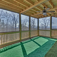 Traditional Deck by Envision Web