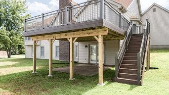 Bluff Manor Court Deck