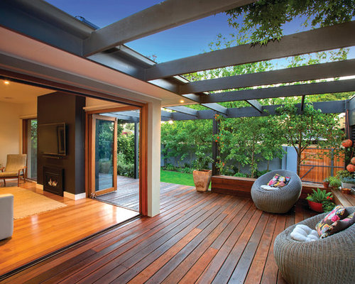 Backyard deck design ideas remodels photos with a pergola for Pergola images houzz