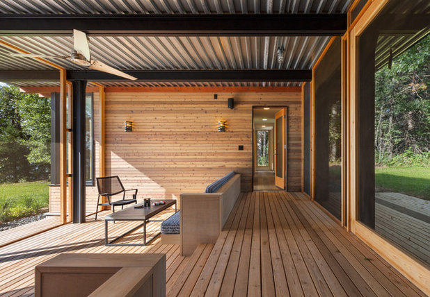 Contemporary Deck by SALA Architects
