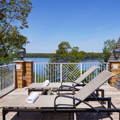Inspiration for a large coastal rooftop rooftop deck remodel in Minneapolis with no cover