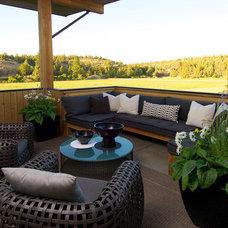 Farmhouse Deck by Rozewski & Co., Designers, LLC