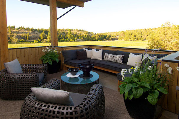 Farmhouse Deck by Rozewski & Co., Designers, LLC