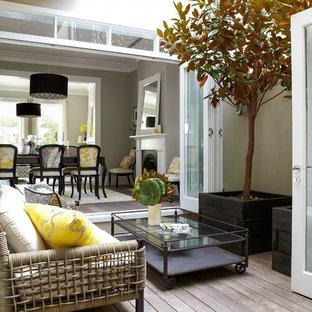 Foto di piccoli terrazze e balconi classici con nessuna copertura
