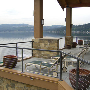 Inspiration for a mid-sized arts and crafts backyard deck in Portland with no cover.