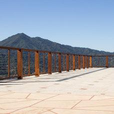Modern Deck by Pacific Circle, Inc.