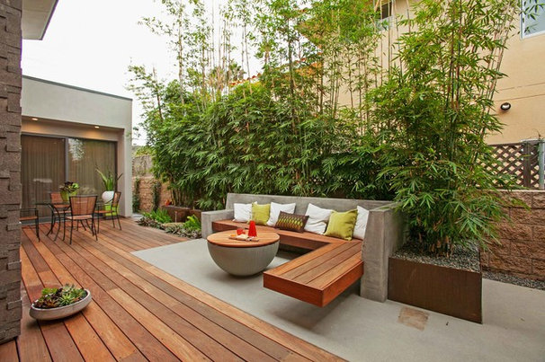 Contemporary Deck by Jackson Design & Remodeling