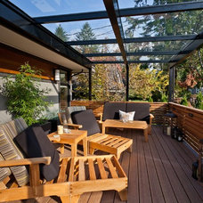 Contemporary Deck by Kingdom Builders