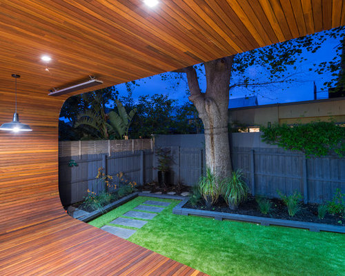 Small modern backyard houzz for Modern backyard landscaping