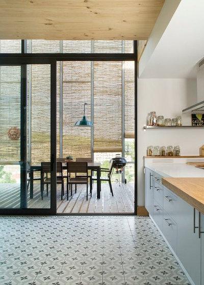 Modern Terrasse by NOEM