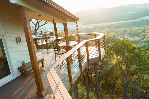 Traditional Deck by TimberTown