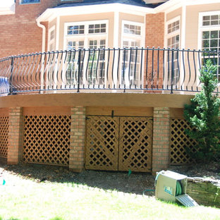 This is an example of an arts and crafts deck in Raleigh.