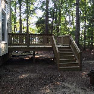 Deck - traditional deck idea in Richmond