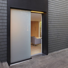 Modern Entry by building Lab, inc.
