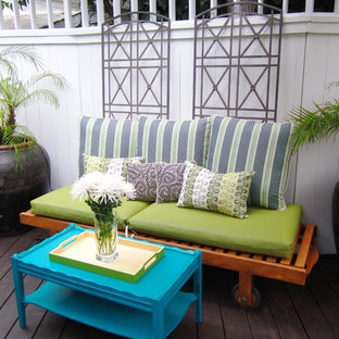 Inspiration for an eclectic deck remodel in Los Angeles