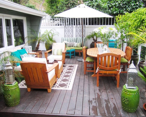 Summer Deck Decor Setting For Four