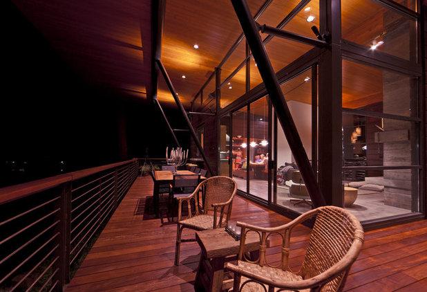 Modern Deck by Uptic Studios