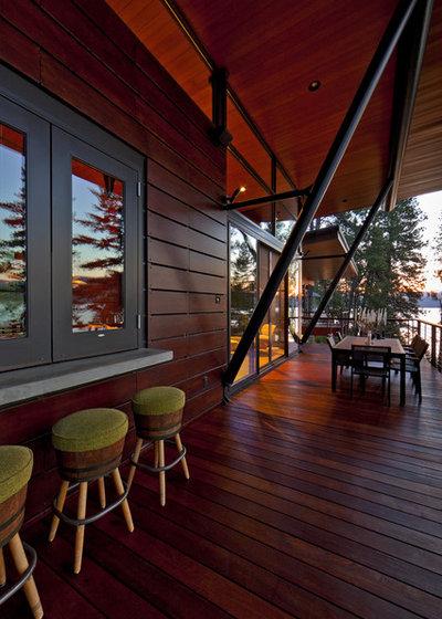 Contemporary Deck by Uptic Studios