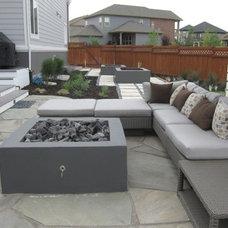 Contemporary Deck by Urban Gardens, Inc.