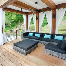 Contemporary Deck by Atmosphere 360 Studio