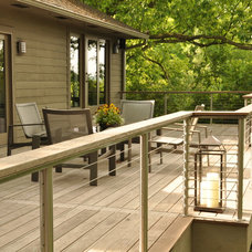 Contemporary Deck by Bayer Builders Inc.