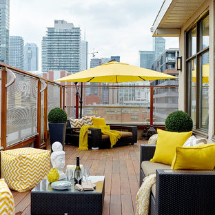 Mid-sized trendy rooftop deck photo in Toronto
