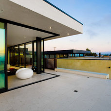 Contemporary Deck by Central Meridian Photography