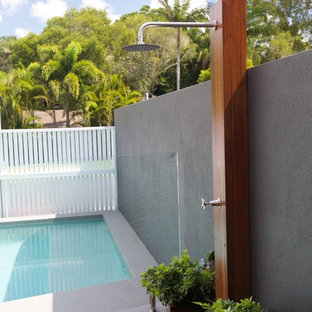 Small Minimalist Backyard Outdoor Shower Deck Photo In Sunshine Coast