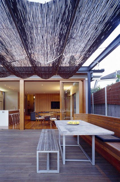 Contemporary Deck by Sam Crawford Architects