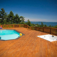 Contemporary Deck by ARYZE Development and Construction, Victoria BC