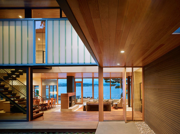 Contemporary Deck by DeForest Architects