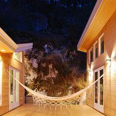 Modern Deck by Sandrin Leung Architecture