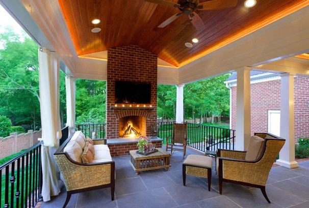 Traditional Deck by Advanced Renovations, Inc.
