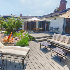 Beach Style Deck by Kimba Hills