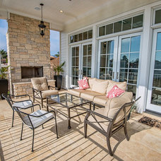 Traditional Deck by Structure Home