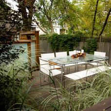Contemporary Deck by b sq. Design Studio