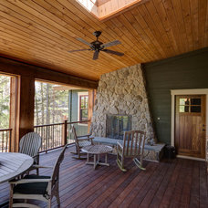 Traditional Deck by Clemleddy Construction