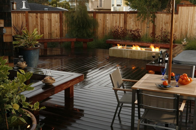 Contemporary Deck by Jeffrey Gordon Smith Landscape Architecture